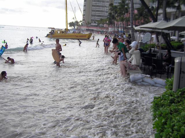 Example of Waikiki Run-up 2009
