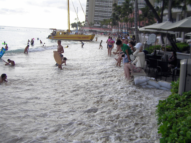 Example of Waikiki Run-up 2009